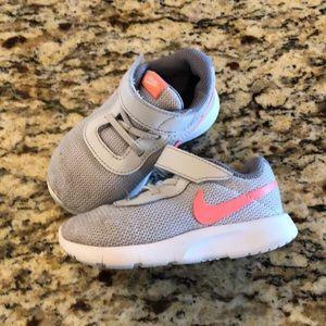 Nike Tanjun Toddler 6c